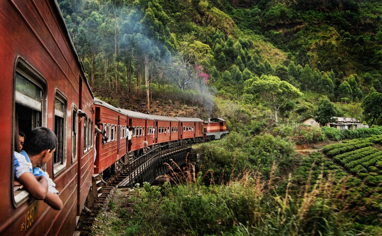 train-sri-lanka-adventuresofagoodman-min