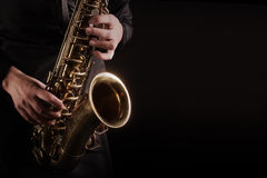 saxophone-player-saxophonist-playing-jazz-music-88580302